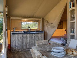 YALA_Comet_Interior_Kitchen