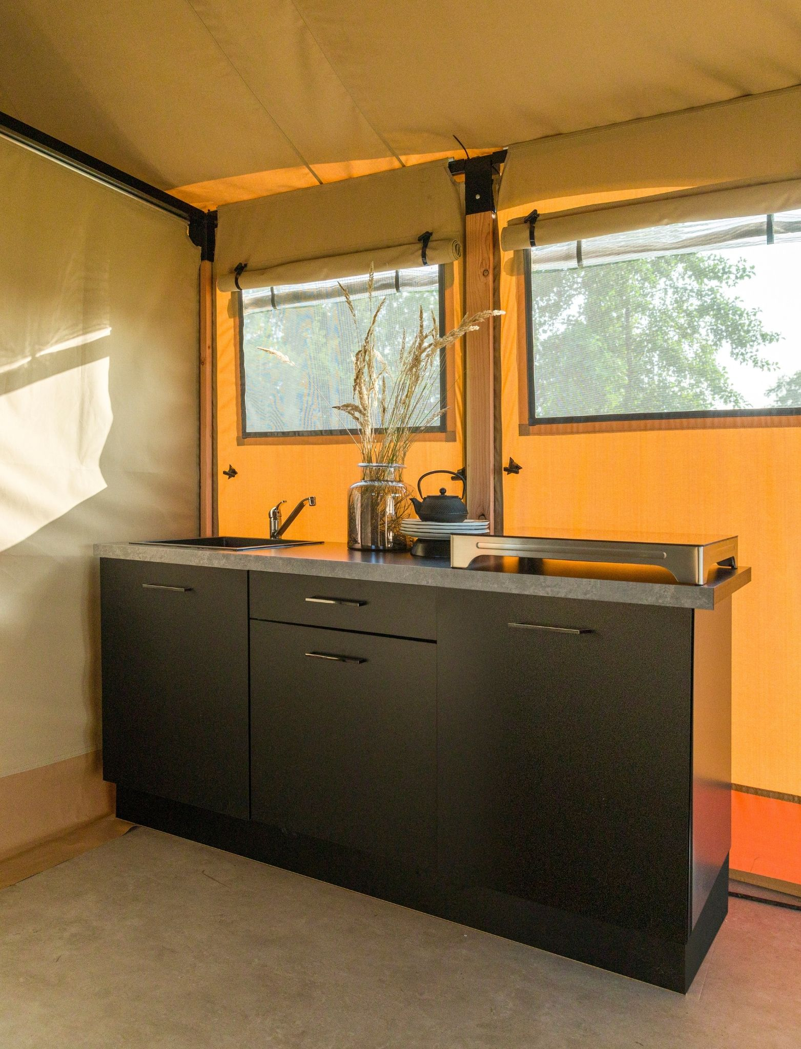 YALA_Kitchen_interior_Pure