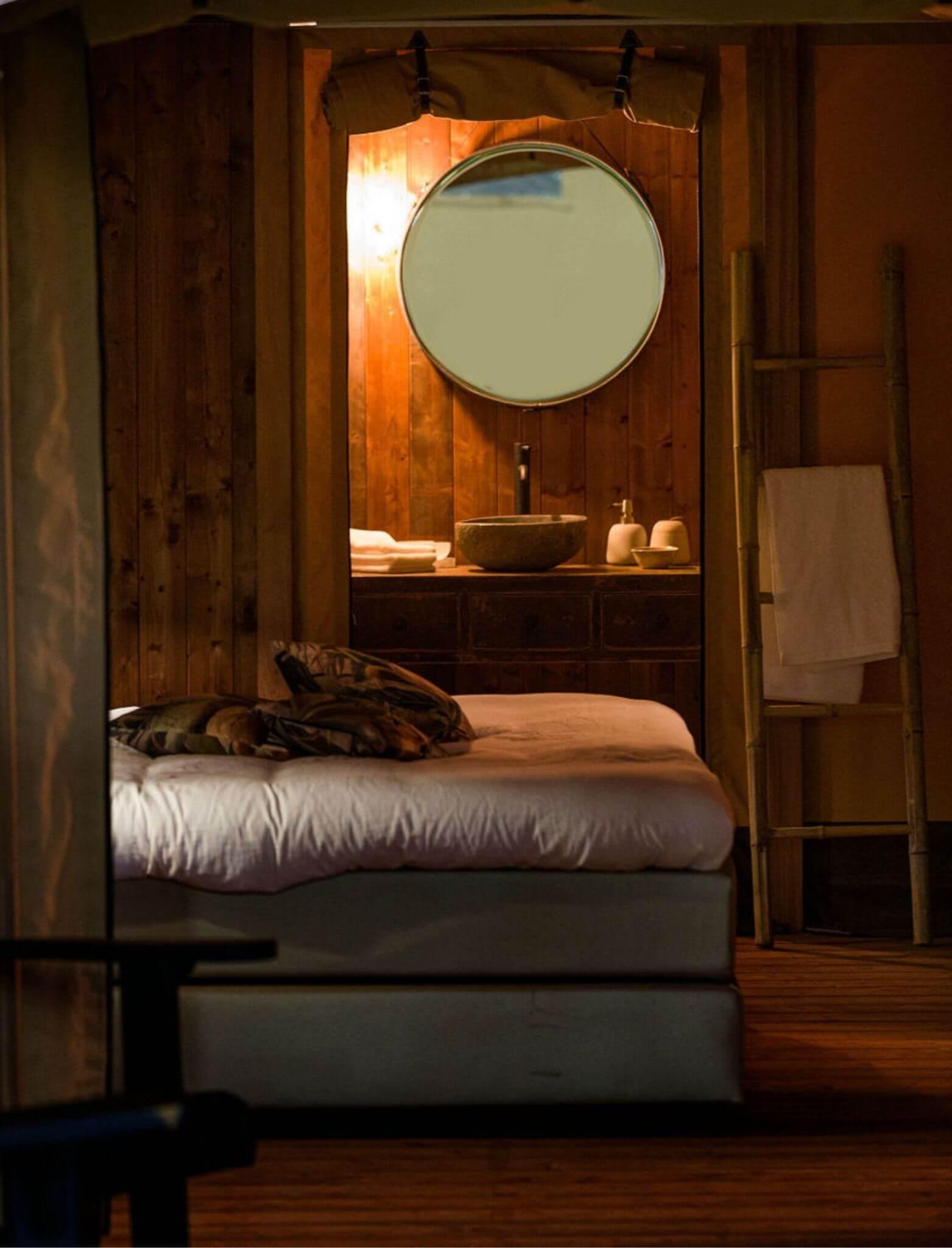 YALA_bedroom_bathroom_detail_interior_Pristine