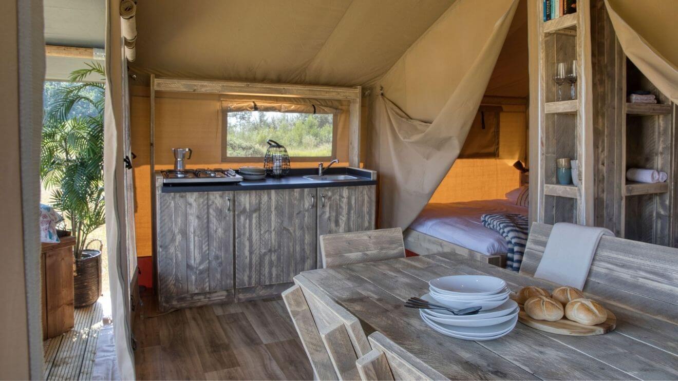 YALA_interior_RAW_interior_kitchen_and_diner_table