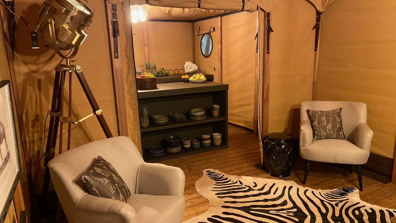 YALA_livingroom_and_kitchen_interior_Pristine