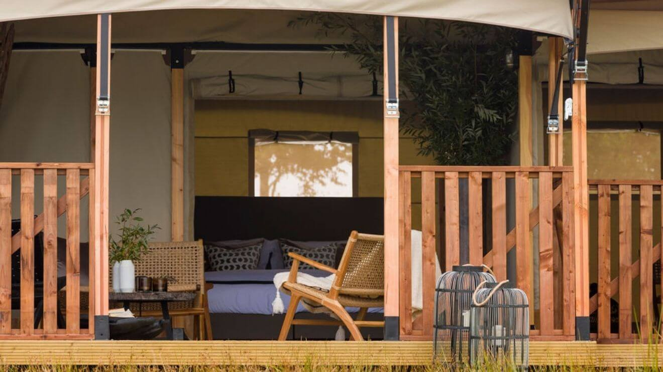 YALA_veranda_front_view_interior_Lush