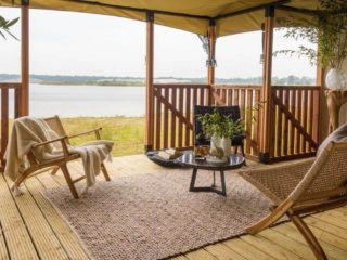YALA_Eclipse_glamping_lodge_veranda_with_interior_Lush