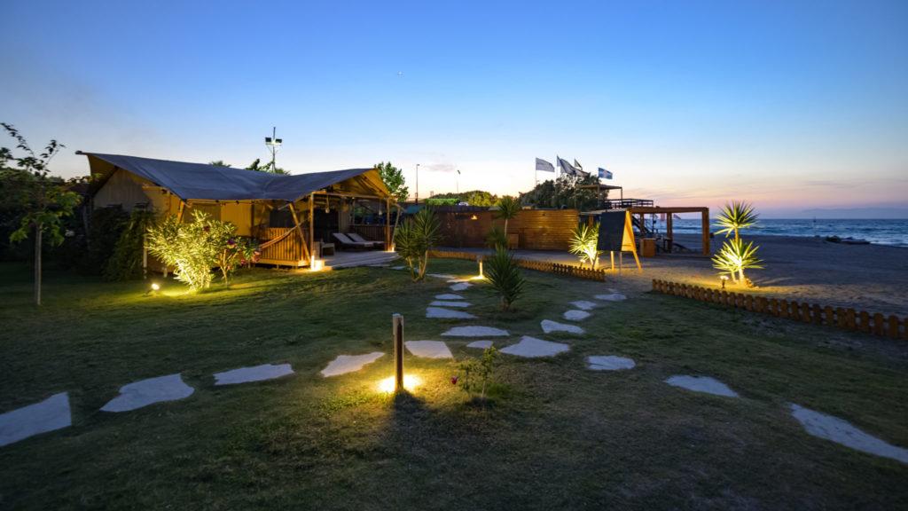 YALA_logos_beach_lodge_by_night