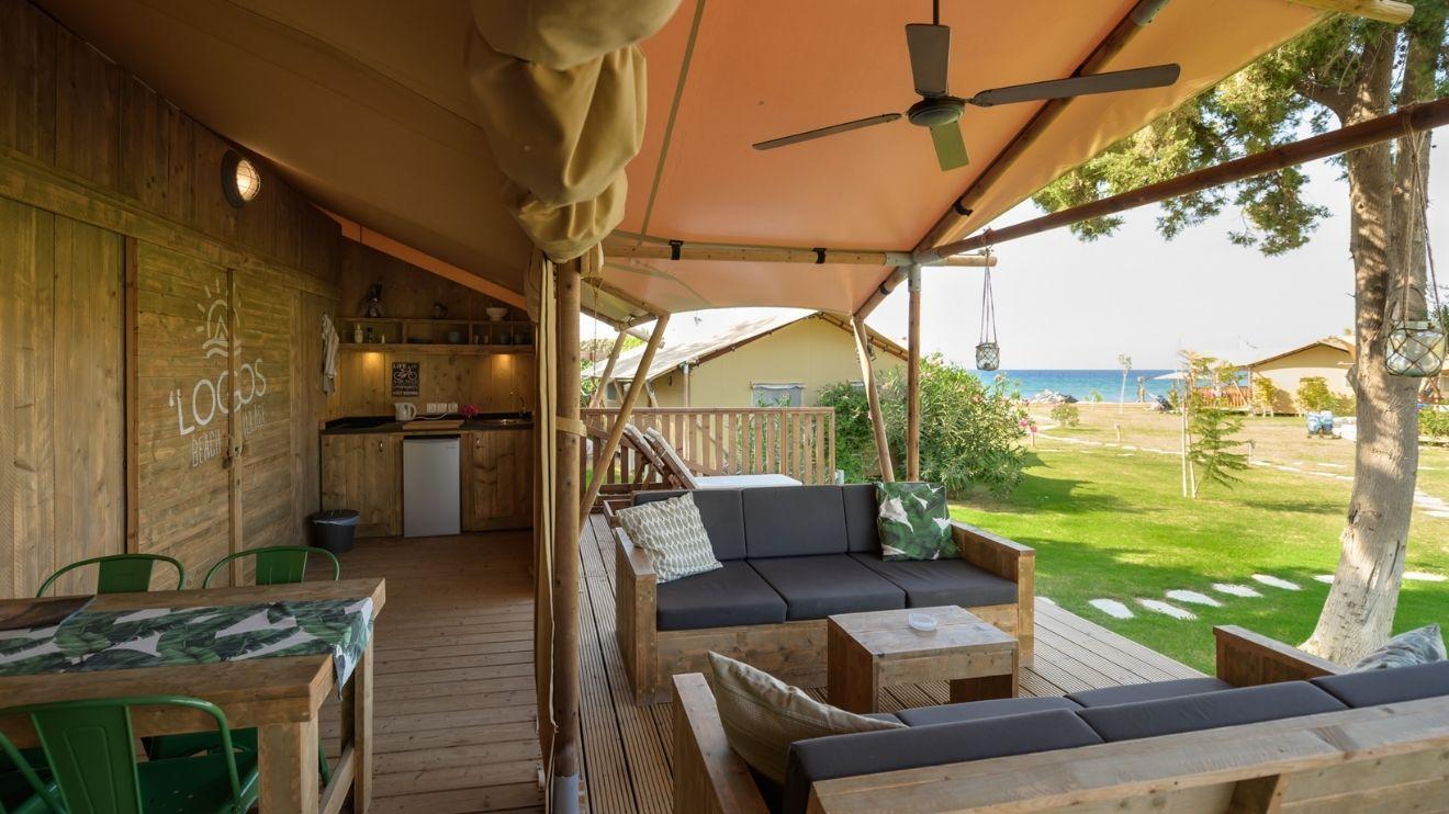YALA logos beach terrace développer entreprise glamping