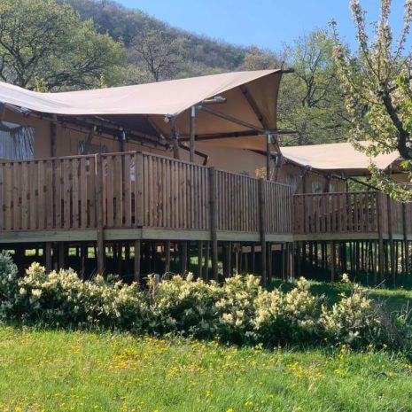 YALA_safari_tent_camping_Les_Charmilles_tent_front_view