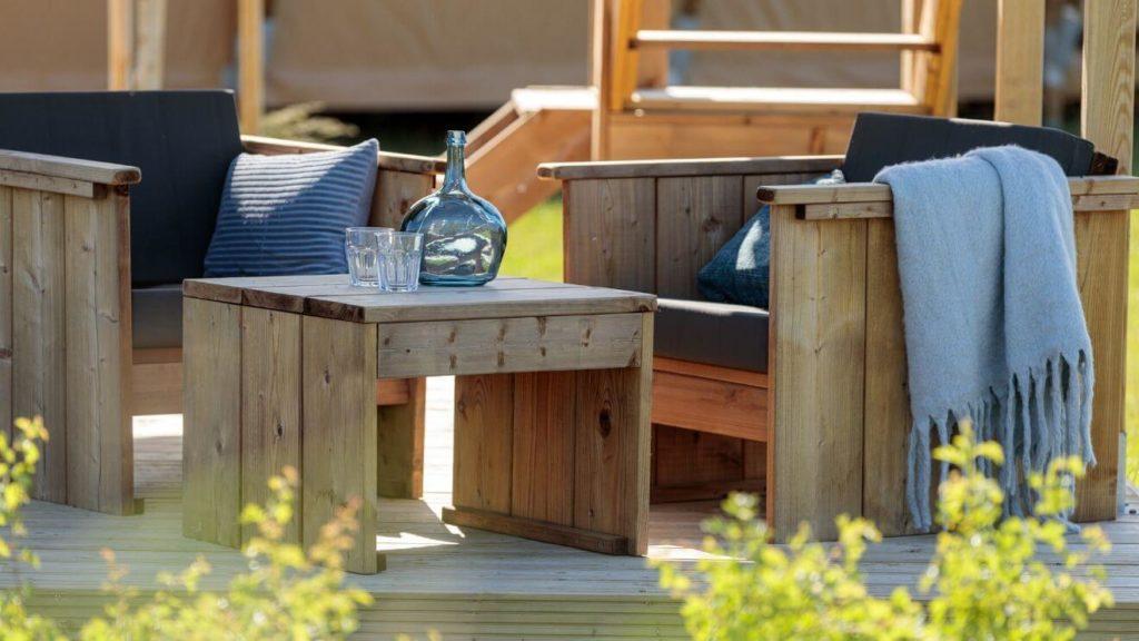YALA_Shimmer_at_campsite_seat