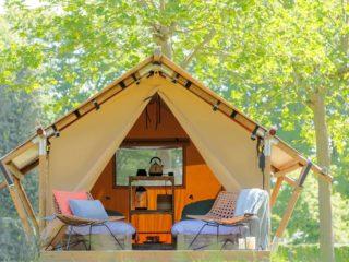 YALA_Sparkle_exterior_with_terras_landscape - safaritenten en glamping lodges