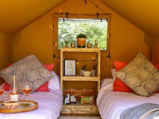 YALA_Sparkle_interior_front_view_landscape - safaritenten en glamping lodges