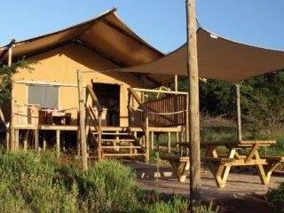 YALA_Sunshine_front_Hluhluwe_Bush_Camp_Africa - safaritenten en glamping lodges