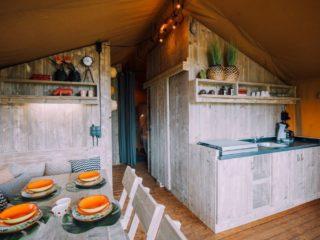 YALA_Sunshine_interior_over_view - safaritenten en glamping lodges