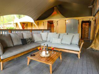 YALA_Supernova_veranda_with_terras - safaritenten en glamping lodges