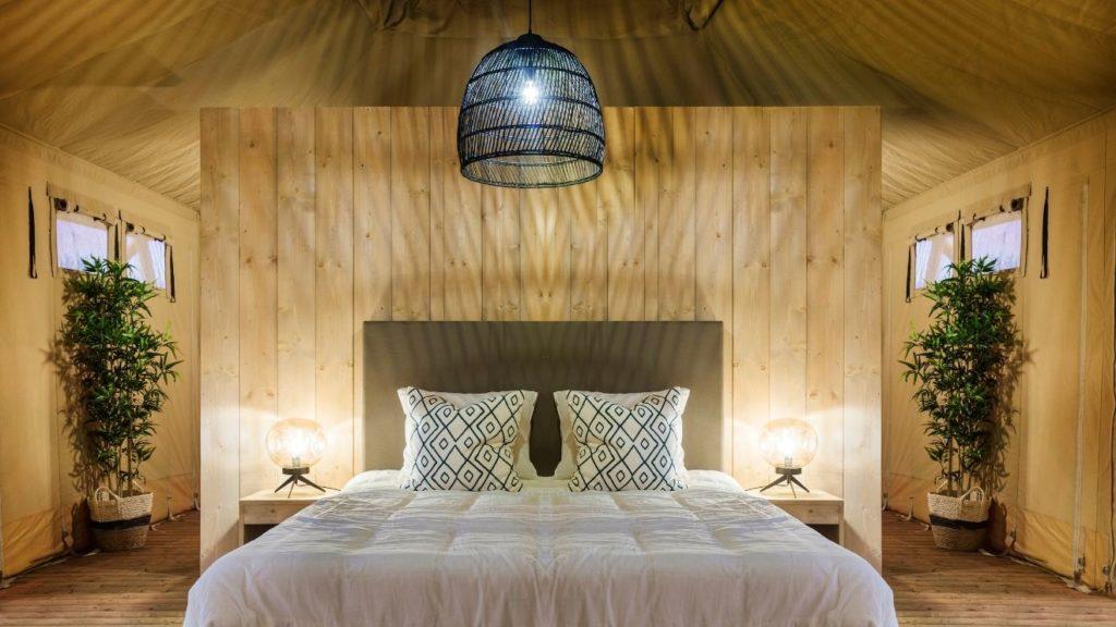 YALA_Stardust_luxury_hotel_suite_glamping_lodge_master_bed