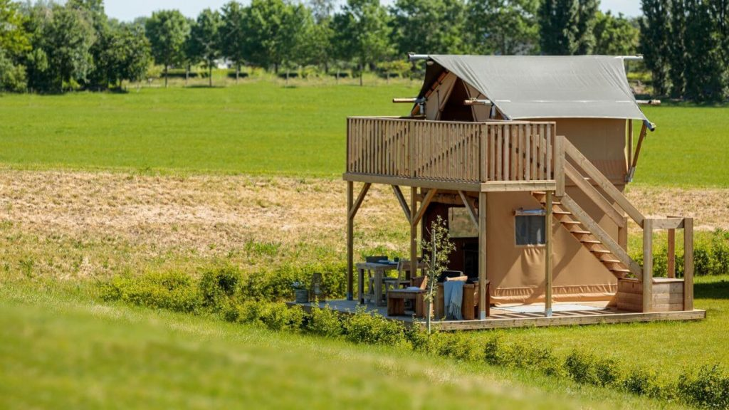 YALA_Shimmer_at_campsite_exterior - Safarizelte & Glamping Lodges