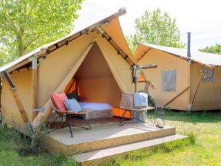 YALA_Sparkle_exterior_landscape - Safarizelte & Glamping Lodges