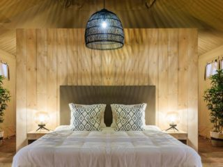 YALA_Stardust_luxury_hotel_suite_glamping_lodge_master_bed