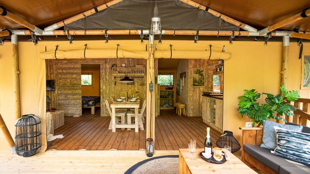 YALA_Dreamer_interior_and_veranda_landscape
