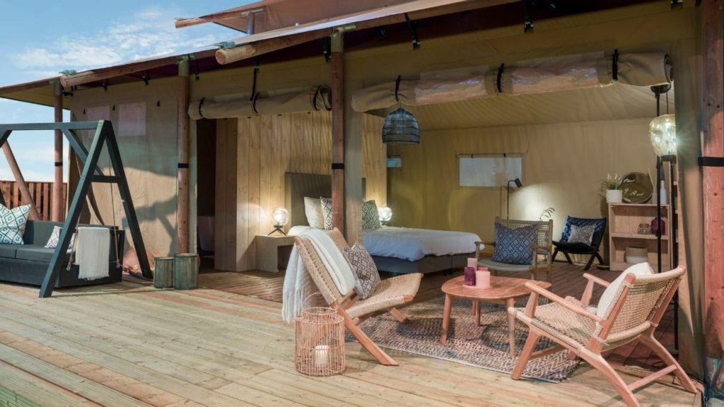 YALA_Stardust_luxury_hotel_suite_glamping_lodge_exterieur_terras