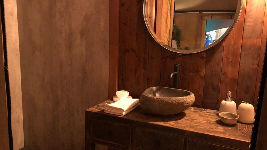 YALA_Aurora_interior_bathroom - サファリテント & グランピングロッジ