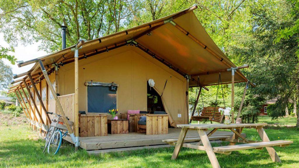 YALA_Sunshine_at_the_campsite_landscape - サファリテント & ゲランピングロッジ