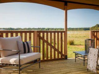 YALA_Twilight_safari_tent_spacious_veranda - サファリテント & グランピングロッジ