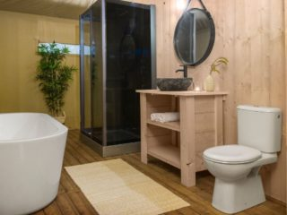 YALA_Stardust_luxury_hotel_suite_glamping_lodge_with_bathroom